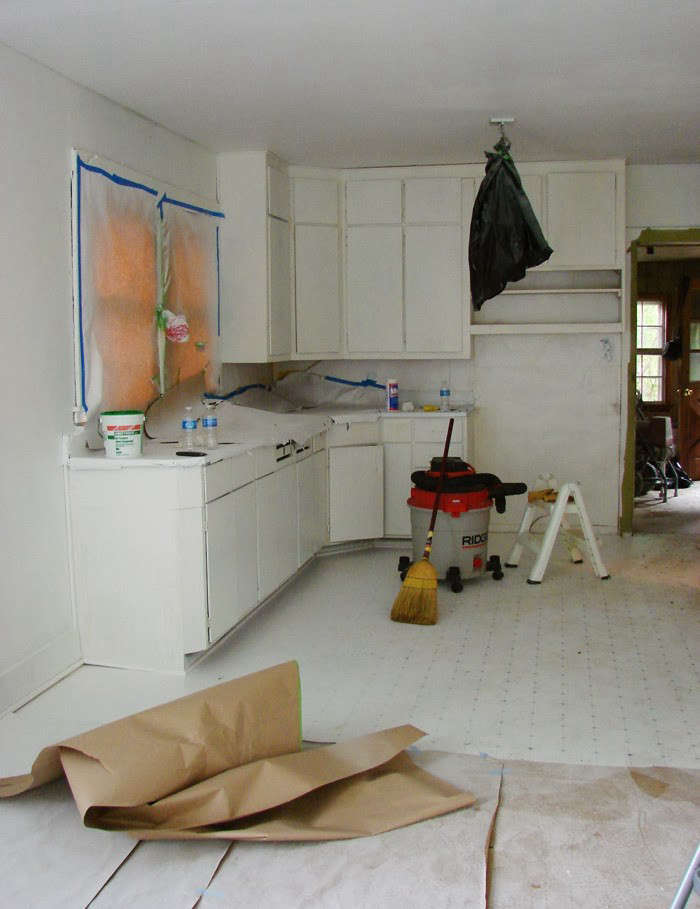 Painting Kitchen Cabinets: 5 Tips from a Master Painter ...