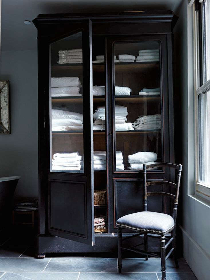 to decor guru how closet stairwell hallway bathroom apartment landing coastal diy neutral a natural after eclectic before storage manage linen without makeshift the closets