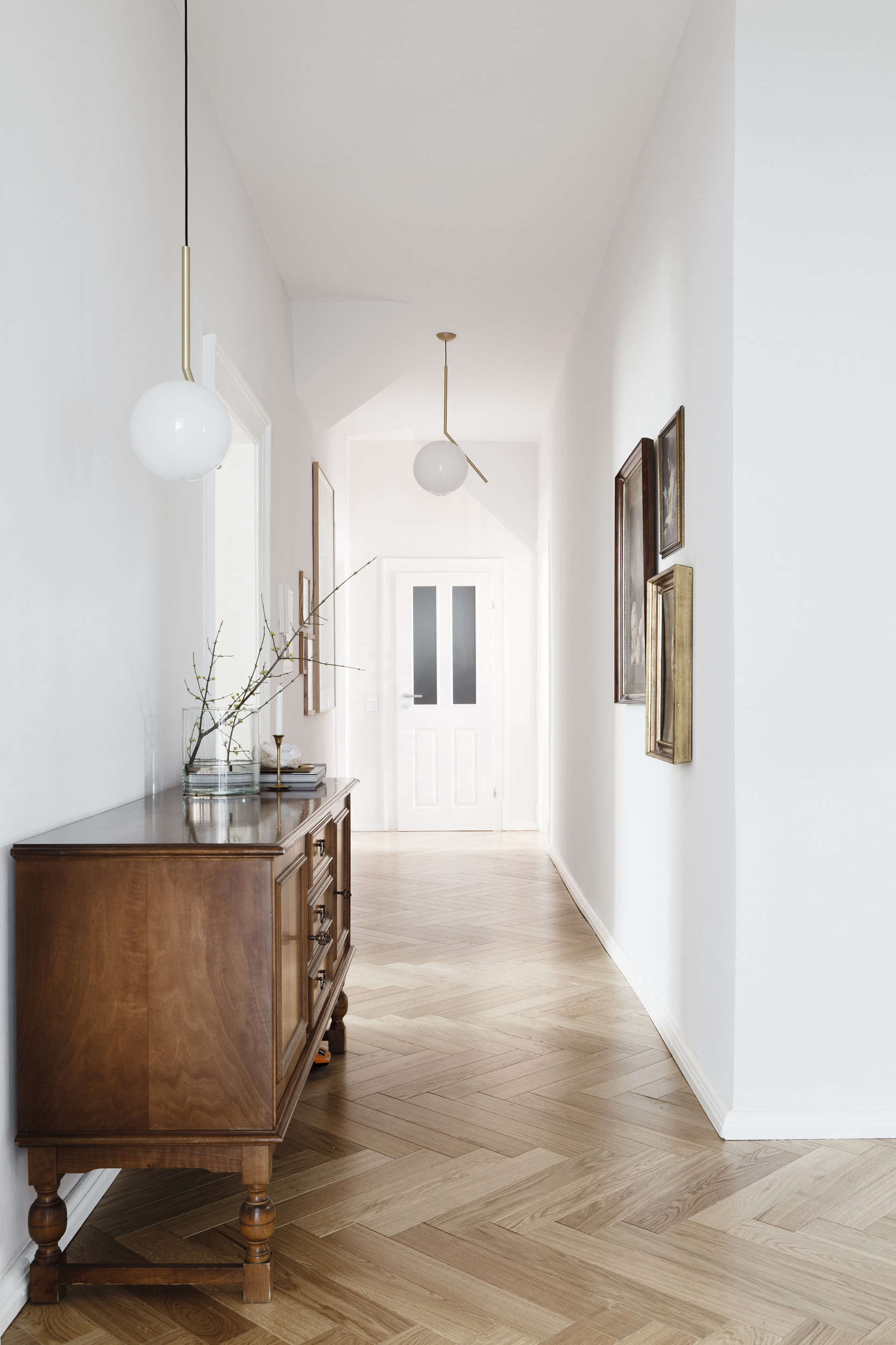 Luxe-minimalist apartment remodel by Studio-Oink in Mainz-Germany | Remodelista