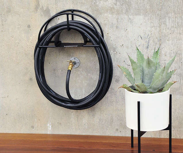 Merveilleux Sometimes You Get The Most Pleasure From A Practical Object Which Has Been  Elevated To Art Form. Here Are Our 10 Favorite Garden Hose Hangers: Useful  Hooks ...