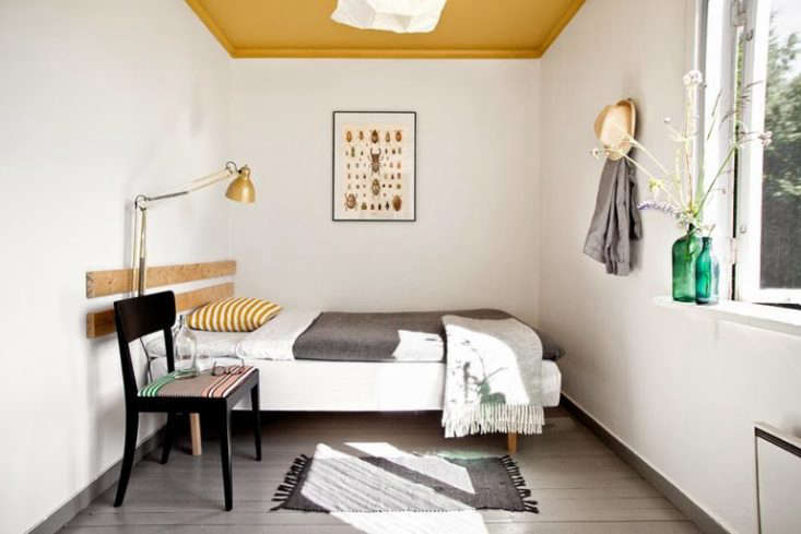 Expert Advice: 12 Tips for Making a Small Bedroom Look Bigger - The Organized Home