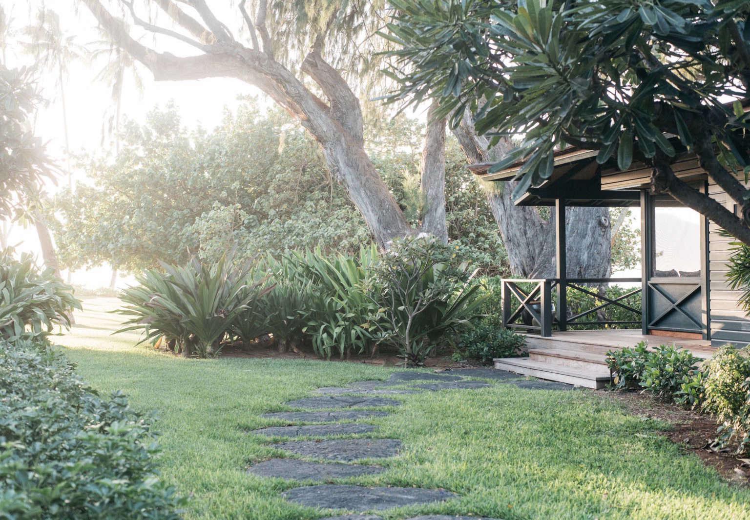 vacation rental maui beach cottage with a tropical garden the rh organized home com maui beach homes maui beach cottage rental