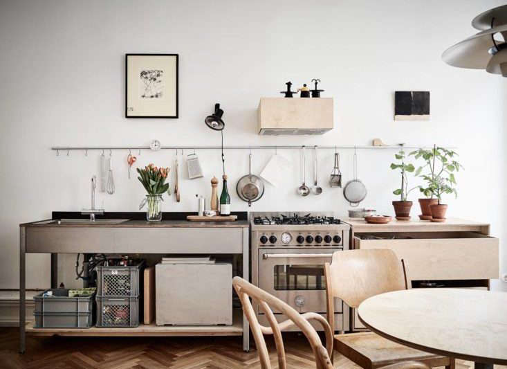 10 organized kitchens on a budget thanks to ikea s grundtal rail