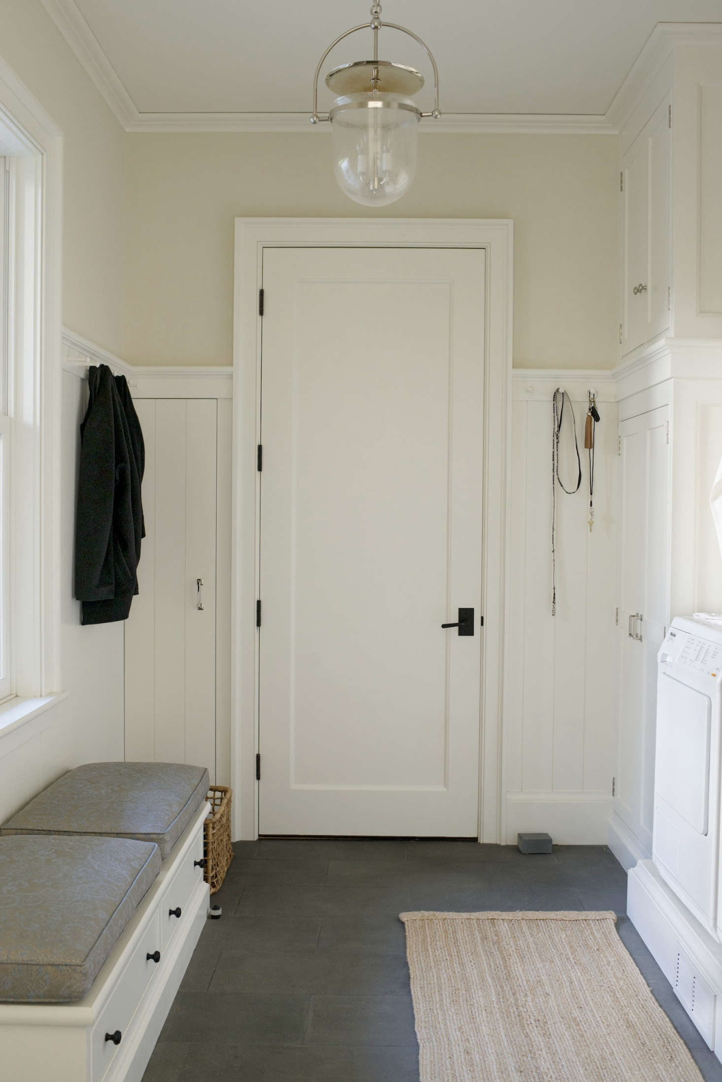 The Streamlined Entryway: 15 Favorites (Smart Storage Included ...