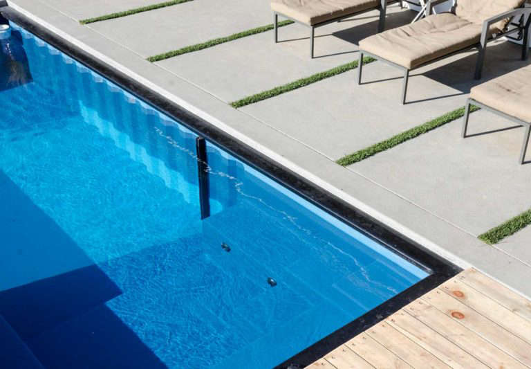 Shipping Container Chic: Recycled Swimming Pools by Modpools ...