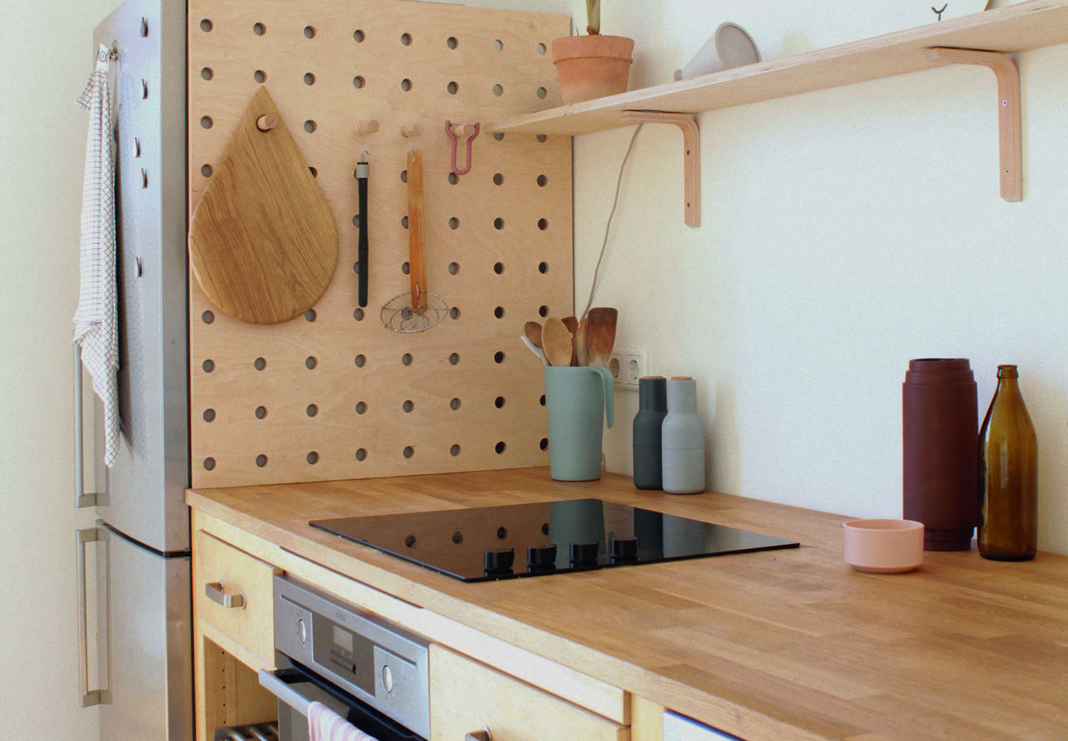 Ordinaire A DIY Wooden Pegboard In The Kitchen Of Illustrator/graphic Designer  Swantje Hindrichsen Created From