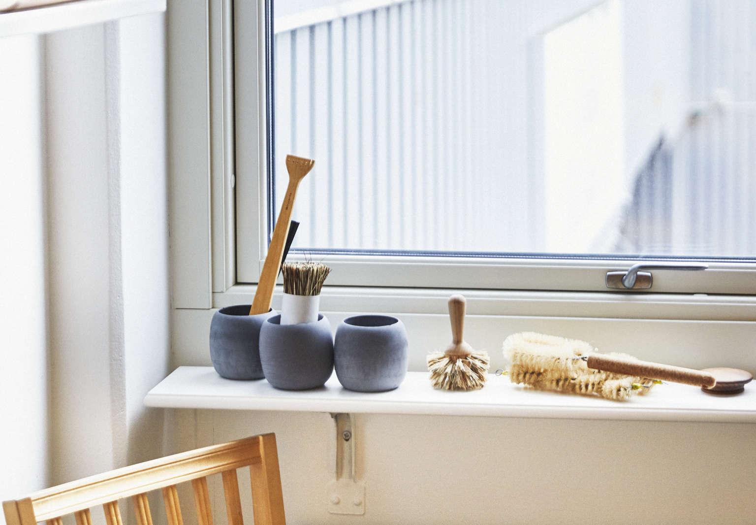 Aha Hack A Simple Diy Shelf As Window Ledge The Organized Home