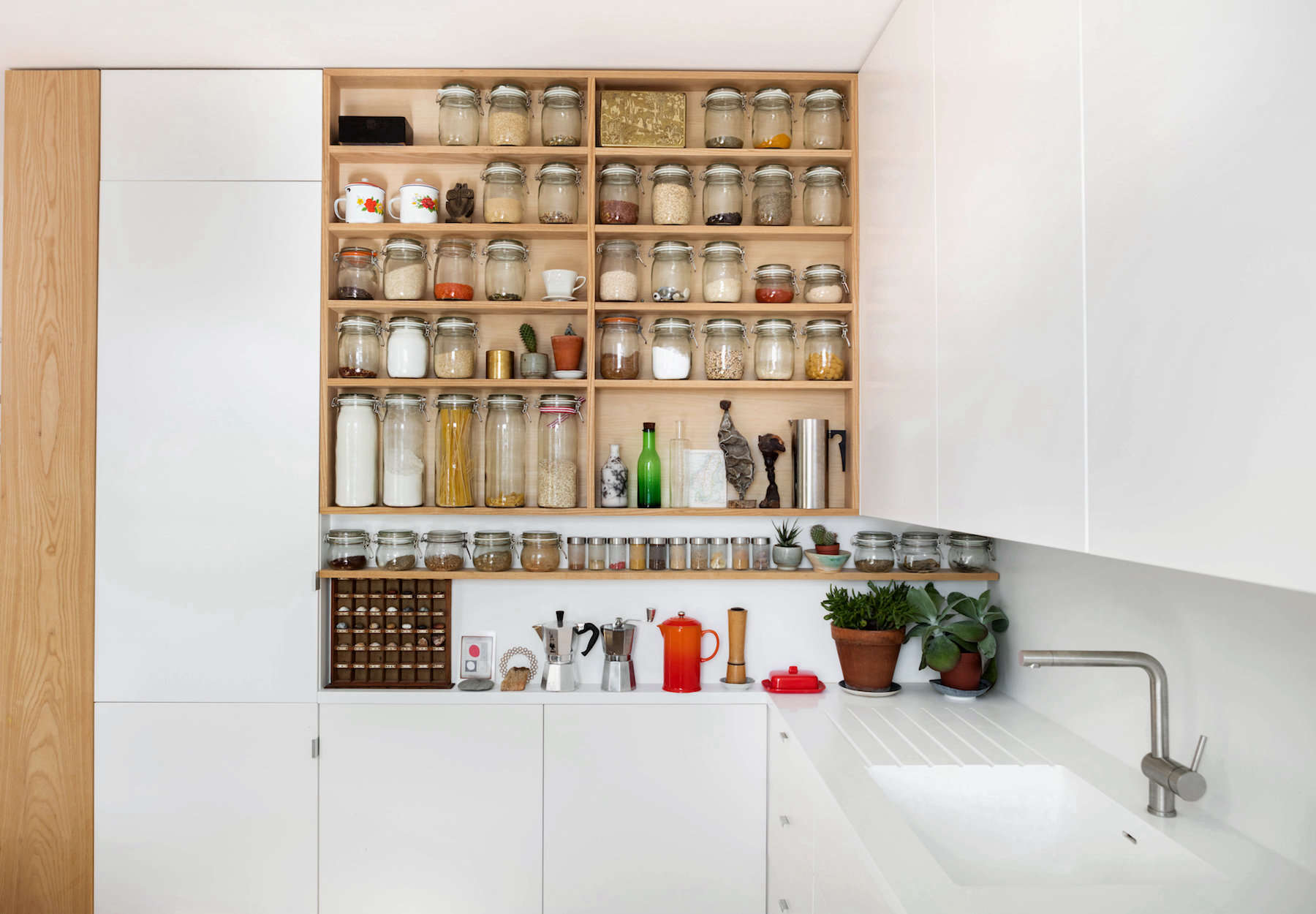 Small-space-apartment-london-emil-eve-6