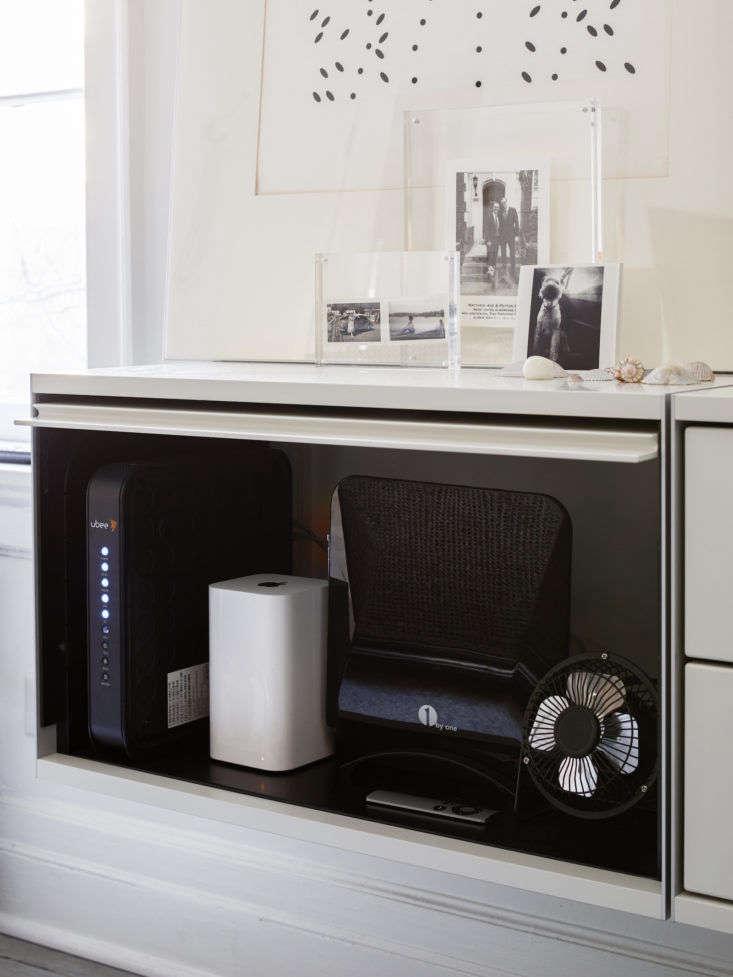 Matthew Axe Jackson Heights Apartment Open Vitsoe Cabinet by Eric Piasecki