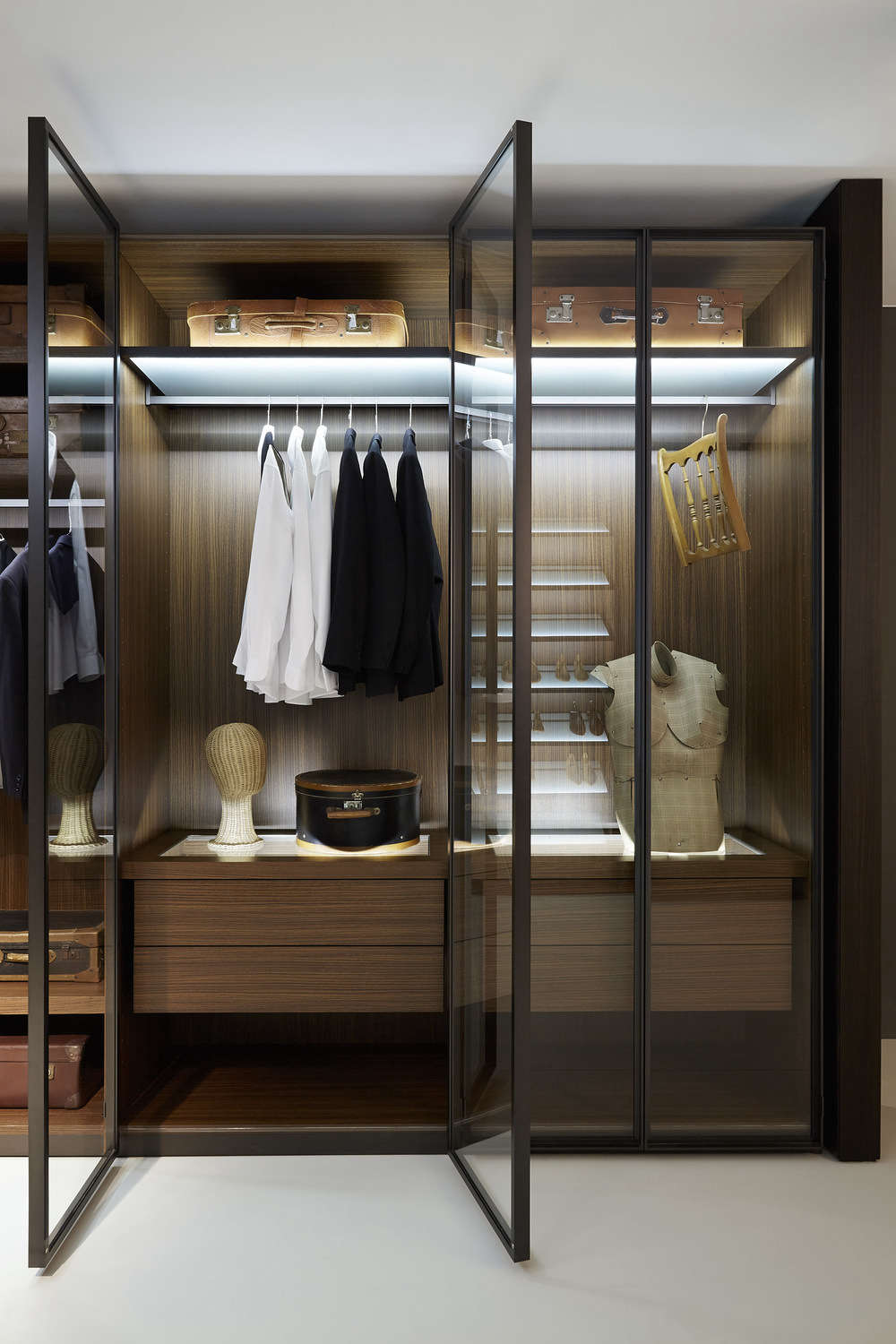 10 Best Closet Systems According To