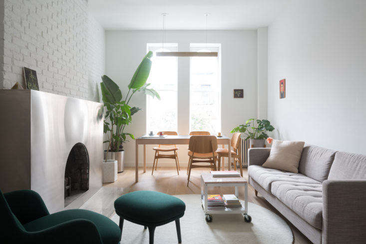 Beneath the Surface: A Petite Manhattan Apartment with a ...