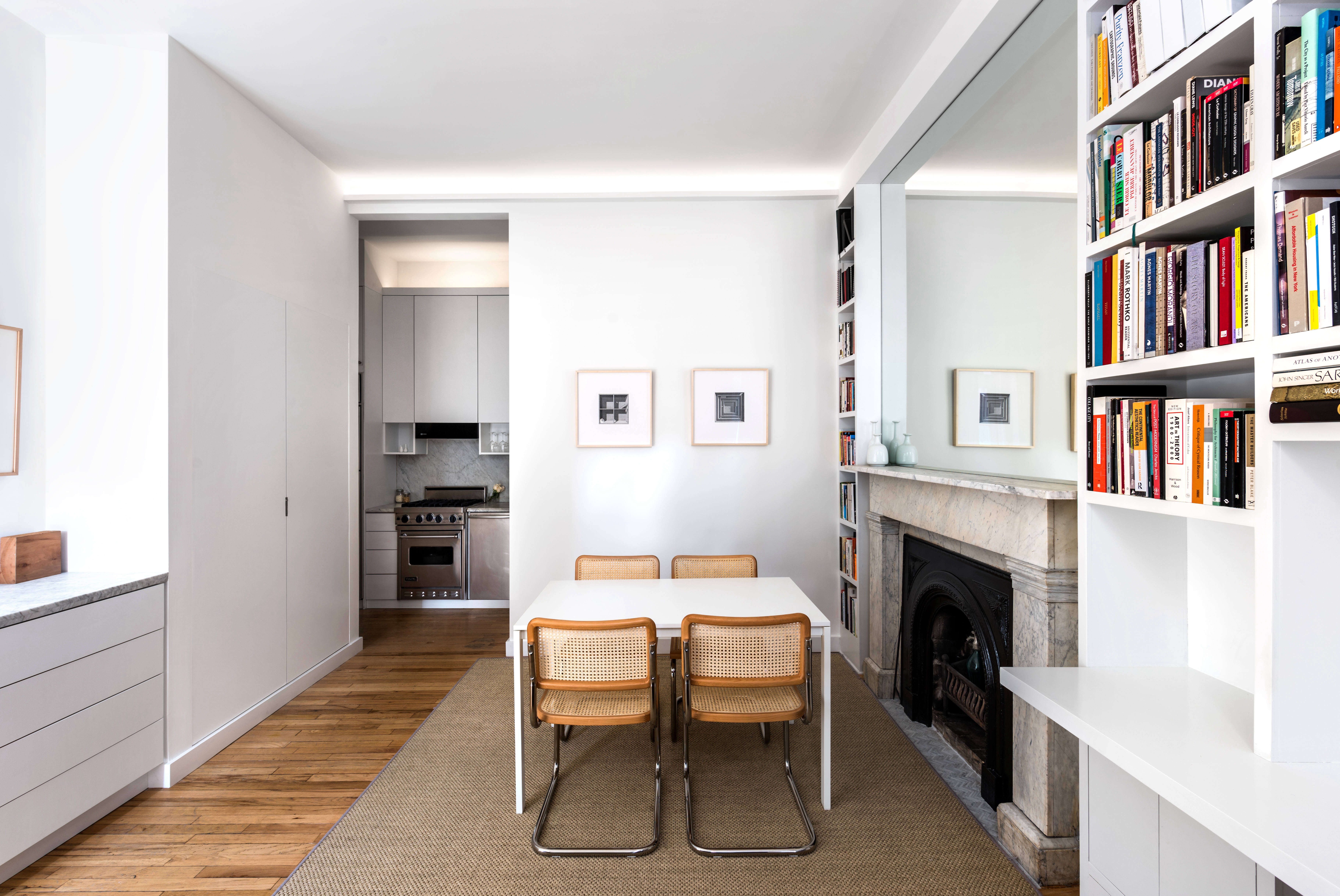 Small-Space Living: A 400-Square-Foot NYC Apartment by ...