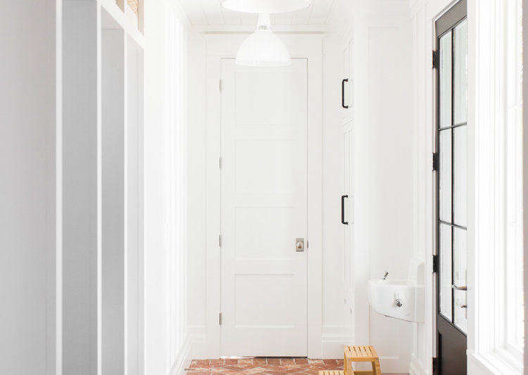 Peachy The Modern Farmhouse Mudroom Of Your Dreams By Studio Mcgee Pabps2019 Chair Design Images Pabps2019Com