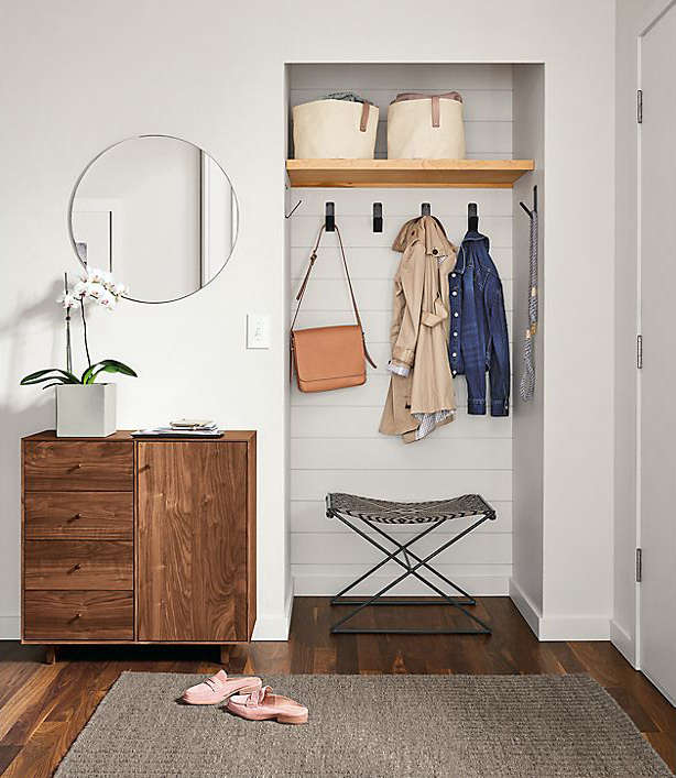 The Cull: 5 Finds from Room & Board for a High-Style Entryway